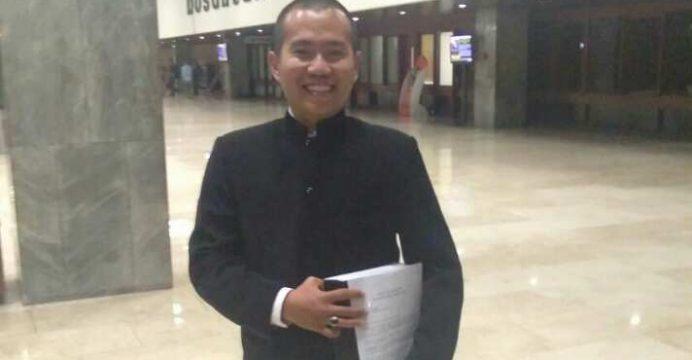 Jokowi, Demi Hukum Harus Mengundurkan Diri Dari Jabatan Presiden