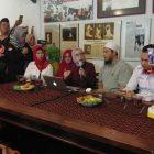 Kebohongan Ratna Sarumpaet, Prabowo-Sandi Dilaporkan Kepolisi