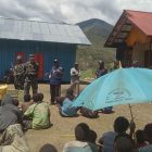 Dandim Puncak Jaya Kunjungi Pengungsi Perang Suku