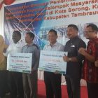 Komisi IV DPR RI Serahkan Bantuan ke Kelompok Nelayan Sorong Raya