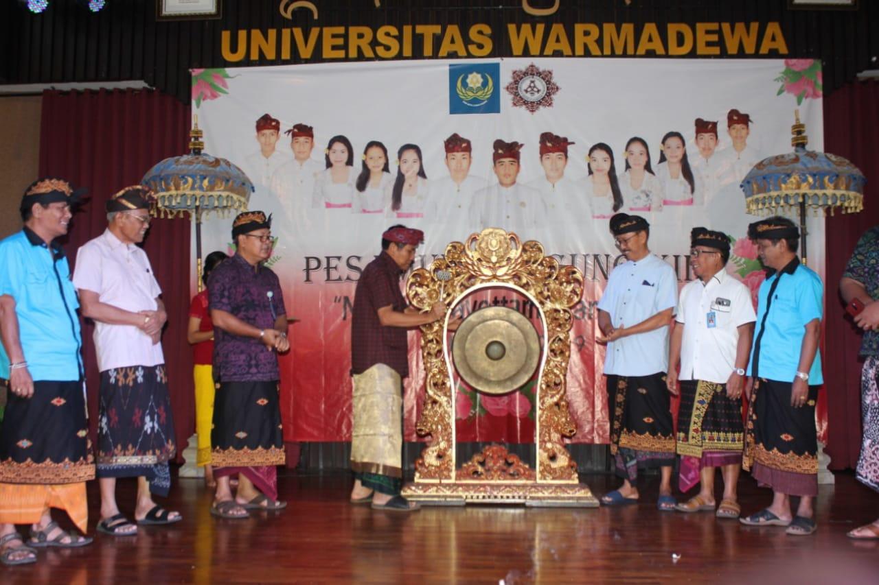 Pasemetonan Mahasiswa Hindu Dharma Gelar Pasamuhan Agung XIII
