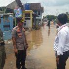 Tinjau Lokasi Banjir, Kapolres Lampung Utara Berikan Bantuan Sembako