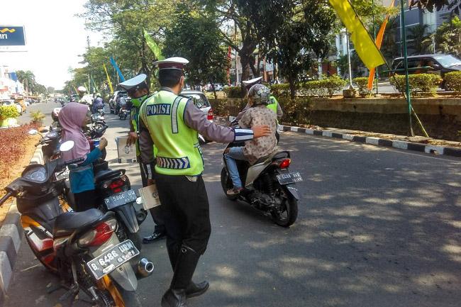 Razia Rutin Kendaraan Bermotor di Jakarta Utara Tanpa Papan Tanda Razia?