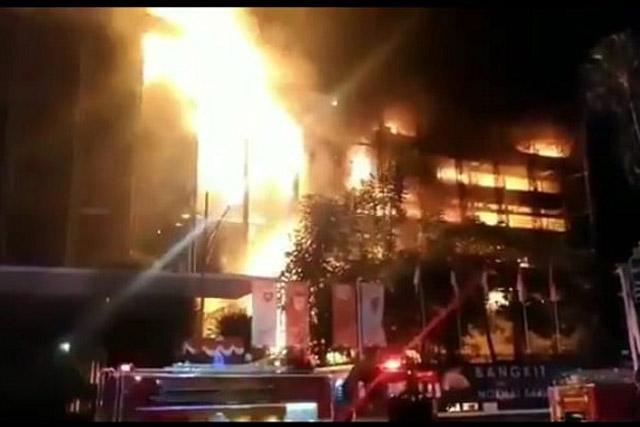 Kebakaran Melahap Gedung Kejaksaan Agung Republik Indonesia
