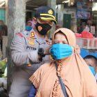 Kapolres Kebumen Pimpin Langsung Bagikan 2 Ribu Masker Kepada Masyarakat