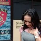Wanita Cantik Ini Menangis Histeris, Diduga Korban Salah Tangkap Polresta Banyuwangi